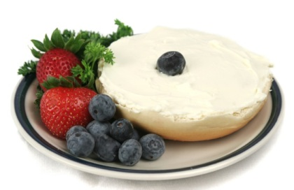 Bagel w/ Fruit